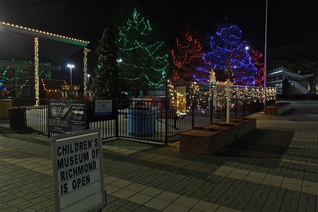 Children's-Musuem-of-Richmond-Holiday-Lights