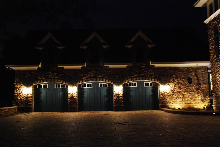 lighting-for-outdoor-garages